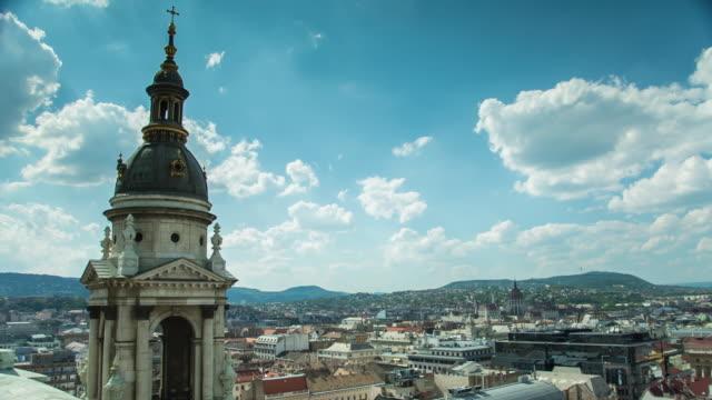 vídeos de stock, filmes e b-roll de bell tower - budapest - hungary - cultura do leste europeu