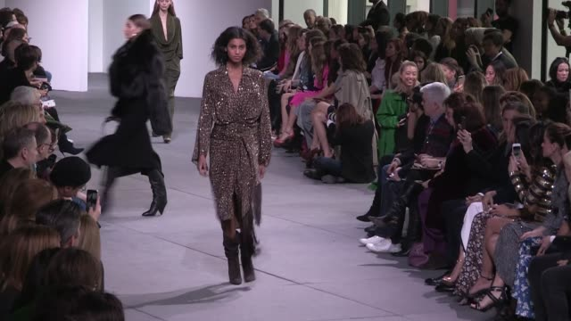 bella hadid kendall jenner taylor hill natasha poly amber valletta caroline murphy joan smalls ashley graham isabeli fontana and more on the runway... - joan smalls stock videos & royalty-free footage