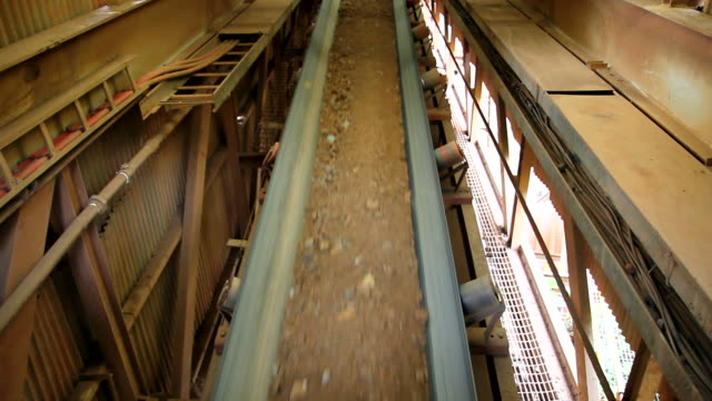Belt conveyor running
