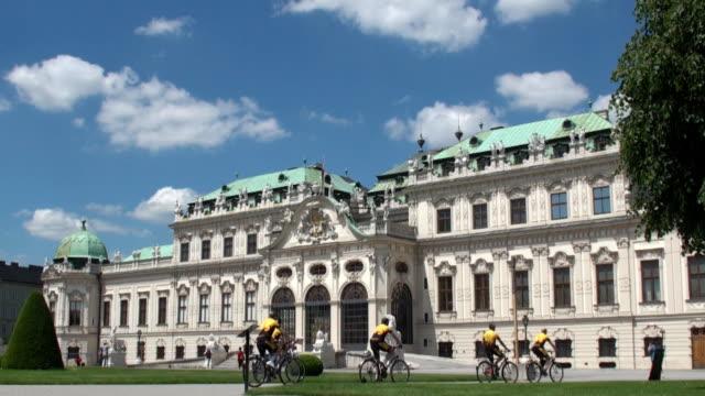 belvedere palace - vienna, austria - belvedere palace vienna stock videos & royalty-free footage