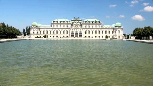belvedere palace vienna - belvedere palace vienna stock videos & royalty-free footage