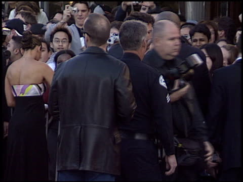 ben affleck at the 'daredevil' premiere on february 9 2003 - westwood neighborhood los angeles stock videos & royalty-free footage