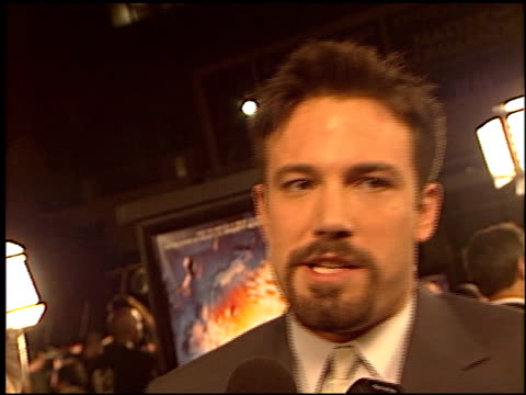 ben affleck at the 'paycheck' premiere at grauman's chinese theatre in hollywood california on december 18 2003 - payslip stock videos & royalty-free footage