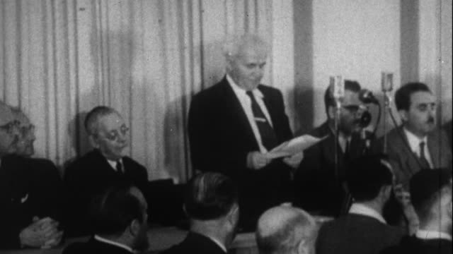 stockvideo's en b-roll-footage met ben gurion reads the proclamtion forming israel - 1948