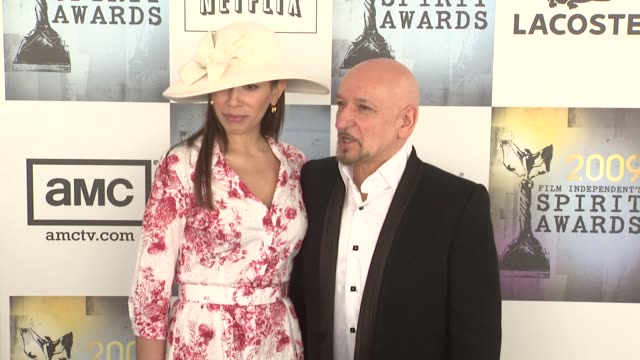 ben kingsley and guest at the film independent's 2009 spirit awards arrivals part 4 at los angeles ca - ben kingsley stock videos and b-roll footage