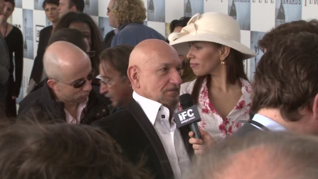 ben kingsley daniela lavender at the film independent's 2009 spirit awards arrivals part 2 at los angeles ca - ben kingsley stock videos and b-roll footage
