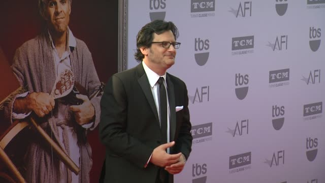 vídeos de stock, filmes e b-roll de ben mankiewicz at the american film institute's 43rd life achievement award gala tribute to steve martin at dolby theatre on june 04 2015 in... - american film institute