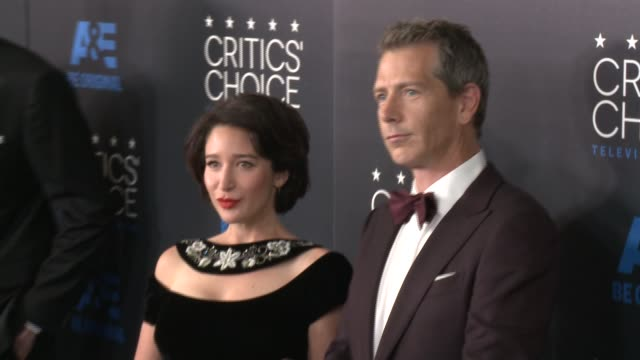 ben mendelsohn at the 2015 critics' choice television awards at the beverly hilton hotel on may 31, 2015 in beverly hills, california. - 放送テレビ批評家協会賞点の映像素材/bロール