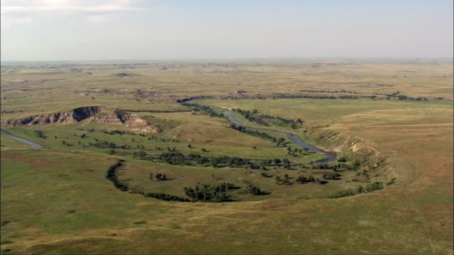 kurven im den grand river luftaufnahme-south dakota, corson county, vereinigte staaten - south dakota stock-videos und b-roll-filmmaterial