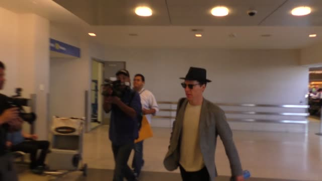 benedict cumberbatch at los angeles international airport at celebrity sightings in los angeles on august 12, 2016 in los angeles, california. - benedict cumberbatch stock videos & royalty-free footage