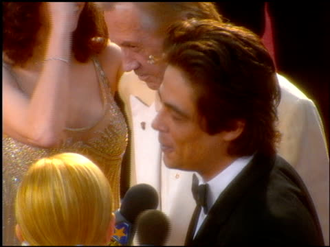 Benicio Del Toro at the 2001 Academy Awards at the Shrine Auditorium in Los Angeles California on March 25 2001