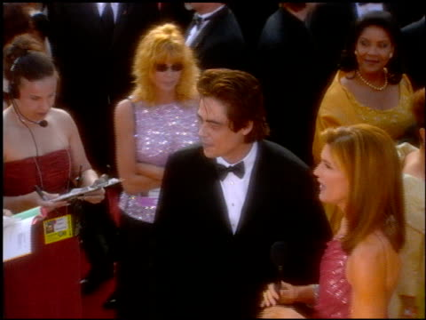 benicio del toro at the 2001 academy awards at the shrine auditorium in los angeles, california on march 25, 2001. - shrine auditorium stock videos & royalty-free footage