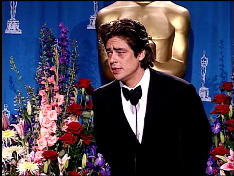 benicio del toro at the academy awards 2001 pressroom 1 of 3 at los angeles - 73rd annual academy awards stock videos & royalty-free footage