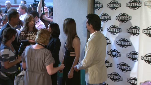 vídeos de stock, filmes e b-roll de benjamin bratt at the 2009 outfest opening night gala of 'mission' at los angeles ca. - benjamin bratt