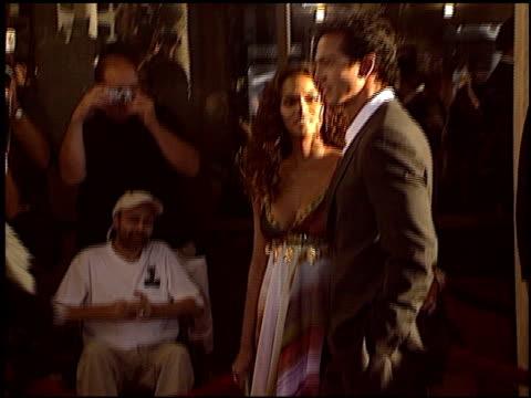 vídeos de stock, filmes e b-roll de benjamin bratt at the 'catwoman' premiere at the cinerama dome at arclight cinemas in hollywood, california on july 19, 2004. - benjamin bratt