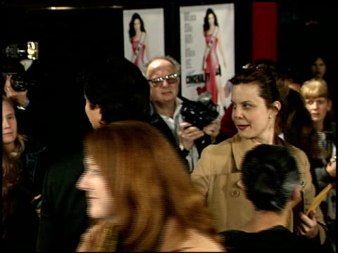 benjamin bratt at the 'miss congeniality' premiere at grauman's chinese theatre in hollywood california on december 14 2000 - benjamin bratt stock videos & royalty-free footage