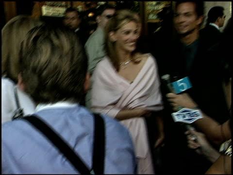 benjamin bratt at the 'runaway bride' premiere on july 25 1999 - runaway stock videos & royalty-free footage