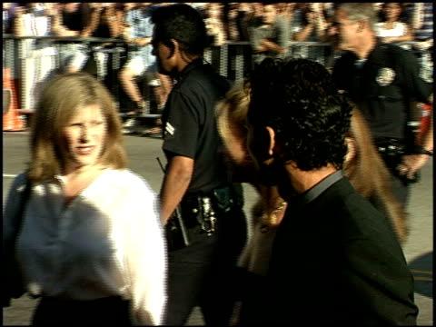 benjamin bratt at the 'runaway bride' premiere on july 25 1999 - benjamin bratt stock videos & royalty-free footage