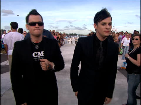 Benji and Joel Madden Arriving at the 2005 MTV Video Music Awards red carpet