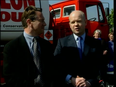 berkshire: newbury: william hague press conference sot - john burko is certainly not defying that line, he put out statement saying he supported... - newbury inghilterra video stock e b–roll
