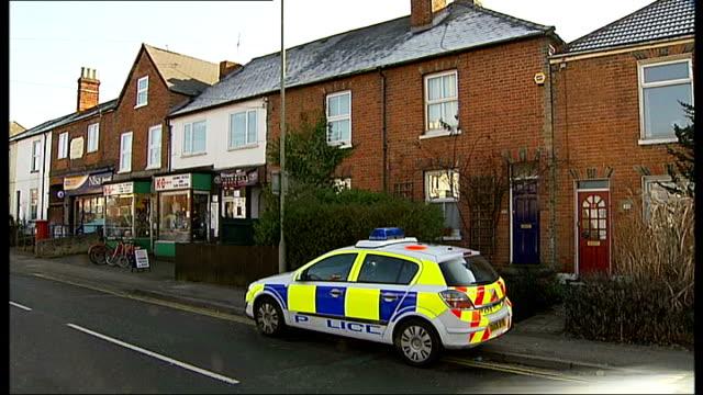 stockvideo's en b-roll-footage met berkshire wokingham ext police car parked outside house upper floor window curtains drawn - carbon monoxide