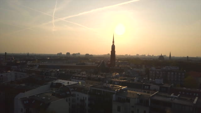 berlin aerial shot at sunrise - deutschland stock-videos und b-roll-filmmaterial