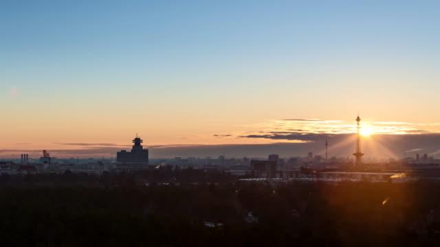 berlin at sunrise in spring - berlin stock-videos und b-roll-filmmaterial