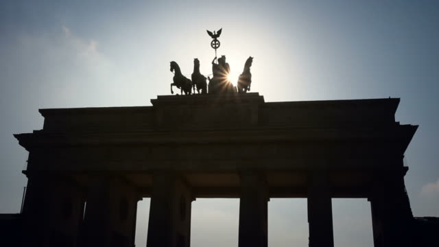 Berlin Brandenburg Gate, 2 clips - Time Lapse