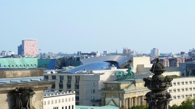 berlin brandenburg gate and us embassy - us embassy stock videos & royalty-free footage