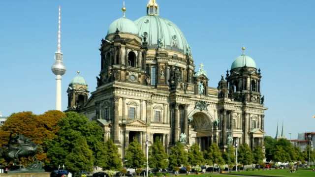 PAN Berlin Cathedral (Berliner Dom) And TV Tower (4K/UHD to HD)