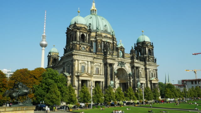 PAN Berlin Cathedral (Berliner Dom) And TV Tower (4K/UHD to HD).