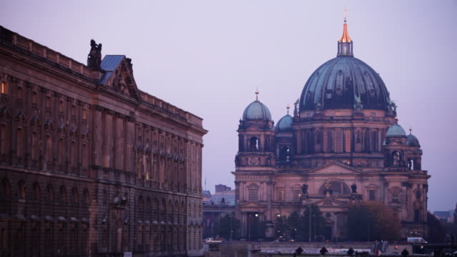 Berlin Cathedral (Berliner Dom) bei Sonnenaufgang