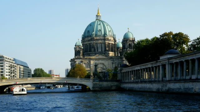 PAN Berlin Cathedral (Berliner Dom) On Spree River (4K/UHD to HD)