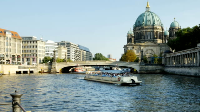 Berlin Cathedral (Berliner Dom) On Spree River (4K/UHD to HD)