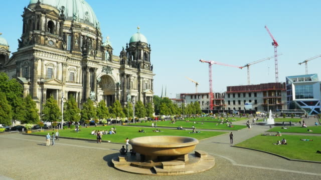 T/L PAN Berlin Cathedral (Berliner Dom) (4K/UHD to HD)