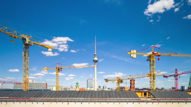 berlin construction skyline timelapse with cloud dynamic and zoom - skyscraper stock-videos und b-roll-filmmaterial