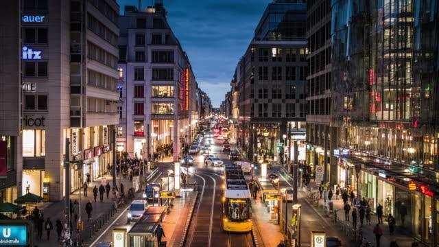 stockvideo's en b-roll-footage met berlijn friedrichstrasse - berlin mitte