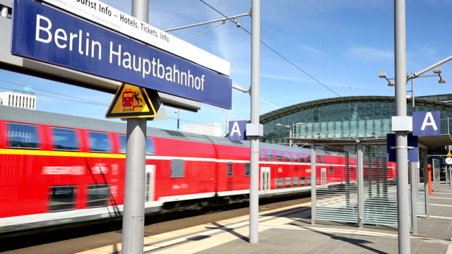 berlin hauptbahnhof, time lapse - rail transportation stock videos & royalty-free footage