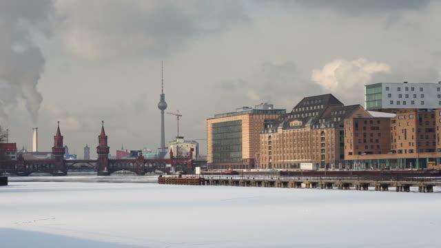 Panorama di Berlino in inverno-Time Lapse