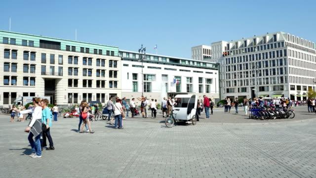 PAN Berlin Paris Platz und Fernsehturm (4 k UHD zu/HD)
