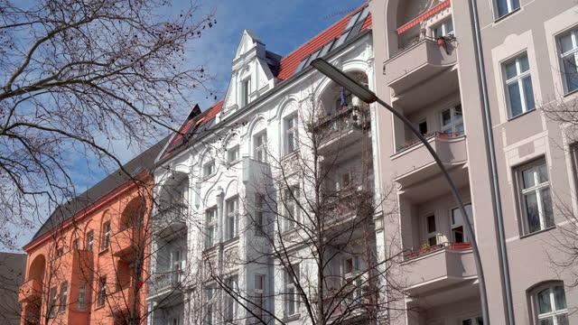 berlin immobilien - wohnungen - built structure stock-videos und b-roll-filmmaterial