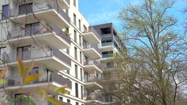 vidéos et rushes de berlin real estate - appartements - location immobilière