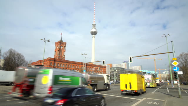 berlin rotes rathaus with traffic - rathaus stock videos & royalty-free footage