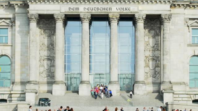 vídeos y material grabado en eventos de stock de tu berlin reichstag building viewed from the west - escritura occidental