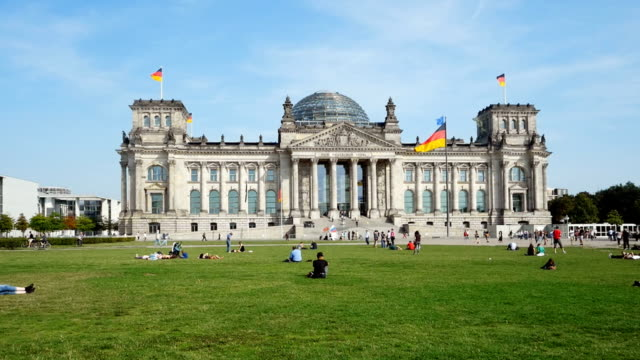 T/L-PAN Berliner Reichstag an sonnigen September Tag