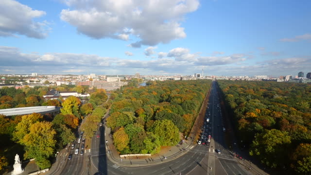 berlin skyline, realtime - herbst stock videos & royalty-free footage