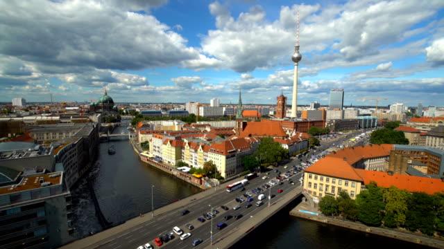 berliner skyline, realtime - panorama stock-videos und b-roll-filmmaterial