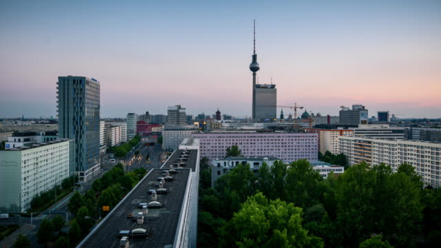 berlin skyline sunset - dach stock-videos und b-roll-filmmaterial