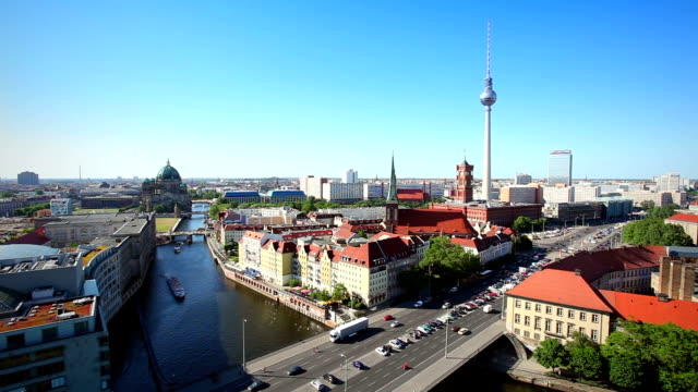 berlin skyline-zeitraffer - panorama stock-videos und b-roll-filmmaterial