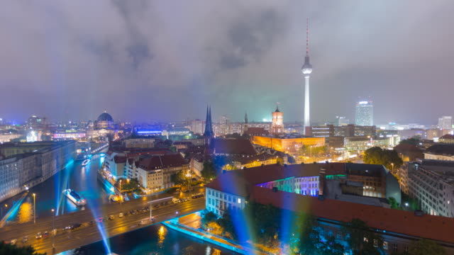 berlin skyline timelapse with light speed boats clouds and traffic - alexanderplatz stock videos & royalty-free footage